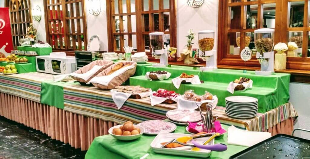 hotel los infantes desayuno hotel en santillana hoteles de cantabria